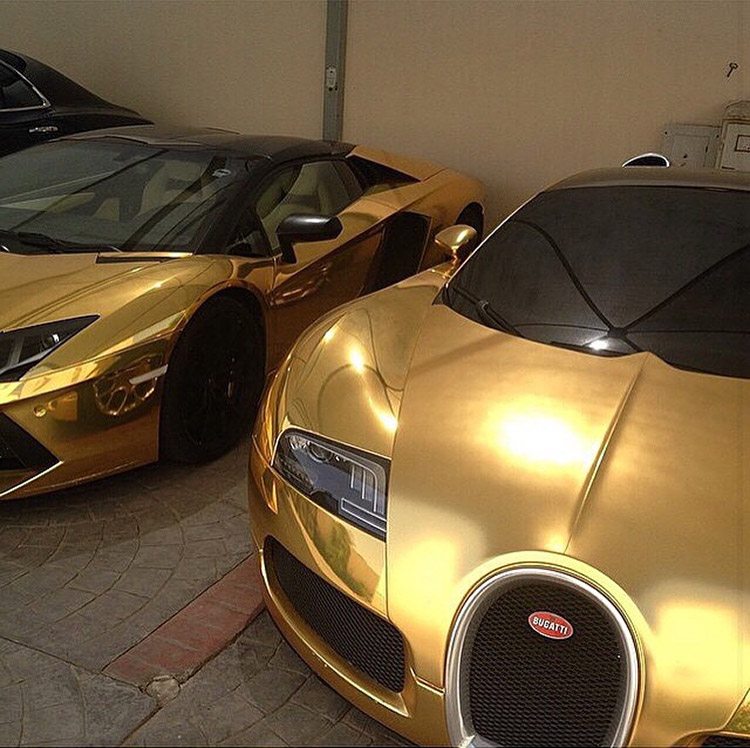 bugatti aventador gold